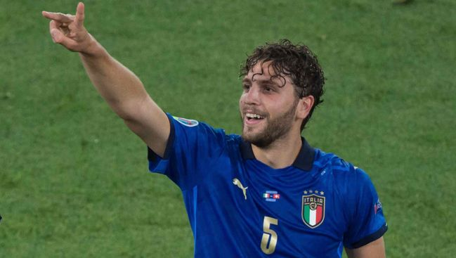 Sassuolo and Italy midfielder Manuel Locatelli is being chased by Arsenal