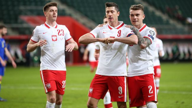 Can Robert Lewandowski fire Poland into the knockout phase?