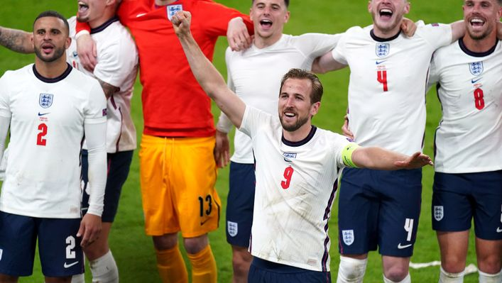 England players join in with Sweet Caroline as the bond between the team and fans grew