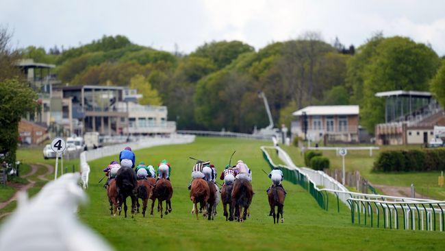 Salisbury hosts a seven-race meeting on Sunday.