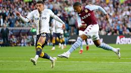Leon Bailey scores Aston Villa's third goal