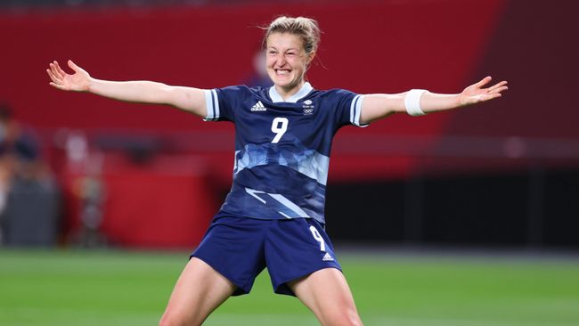 Ellen White celebrates scoring the second of her two goals as Great Britain beat Chile 2-0