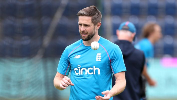 Chris Woakes took four wickets to remind England of his quality against Sri Lanka